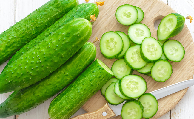 cucumber-to-get-healthy-pink-lips