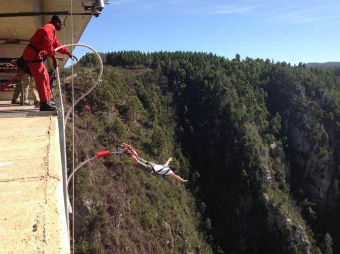 Bloukrans Bridge, Western Cape, South Africa - Best places to bungee jump - 2018 - TrendMut- USA 2