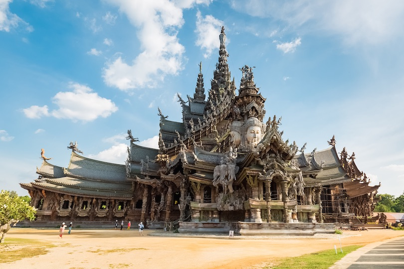 temples-traveling-to-thailand