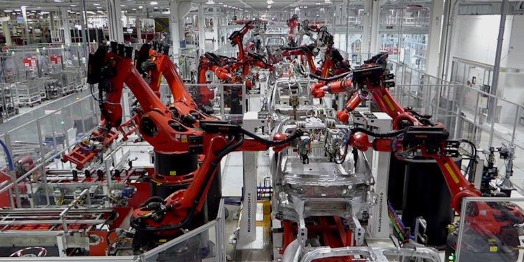 automation in tesla gigafactory - 2018 - trendmut