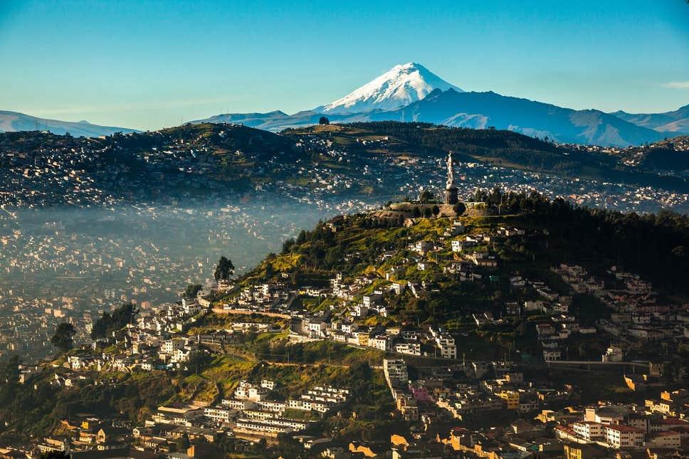 students travel ecuador